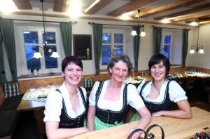 von links: Nicole, Mutter Hermine und Marion Weiser